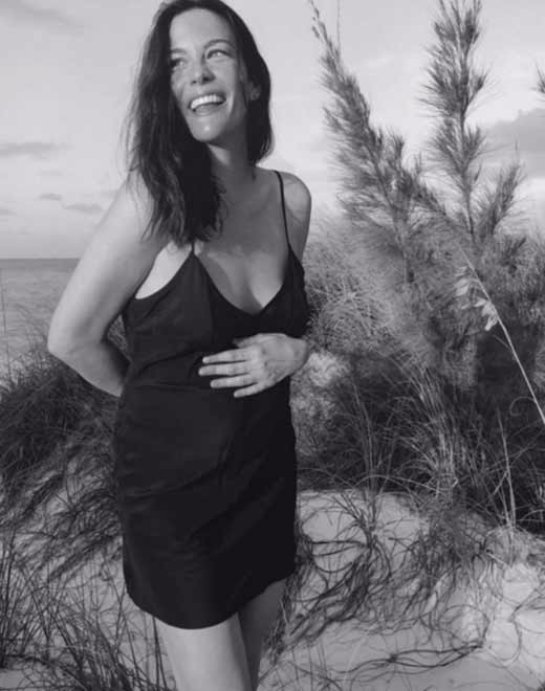 Лив Тайлер беременна третьим ребенком