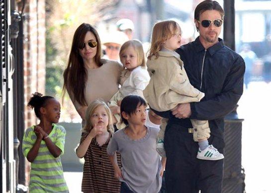 Анджелина Джоли усыновила седьмого ребенка