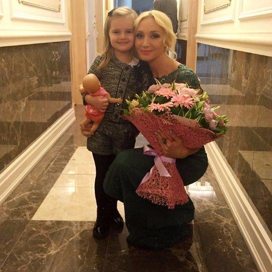 Дочь Орбакайте воспитывает детей Пугачевой