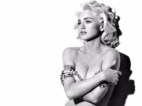 Мадонна не считает порнографией фото обнаженных женщин