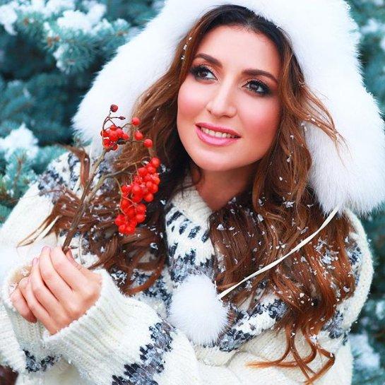 Жасмин восхитила нежным образом Снегурочки