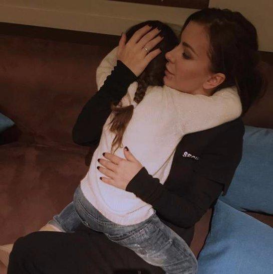 Ани Лорак показала нежное фото с дочкой