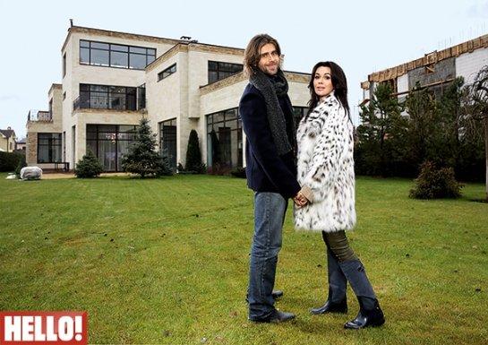 Анастасия Заворотнюк и Петр Чернышов показали журналистам свой загородный дом