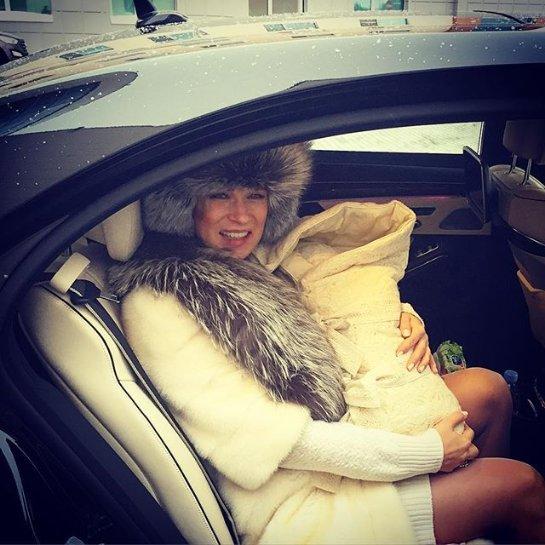 Олеся Судзиловская показала трогательное фото с новорожденным сыном