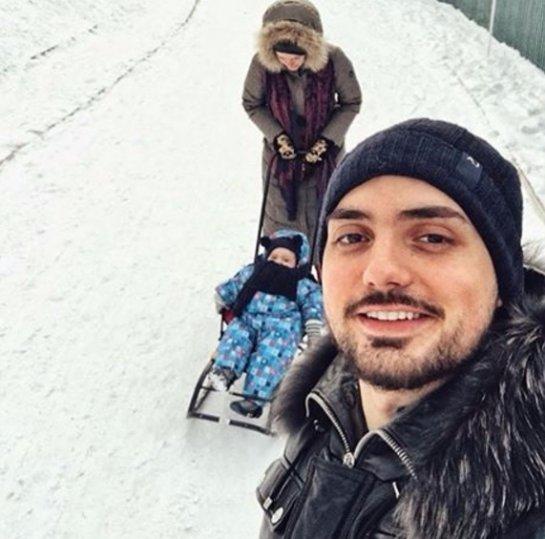 Слава Каминская отмечает месяц со дня рождения дочери