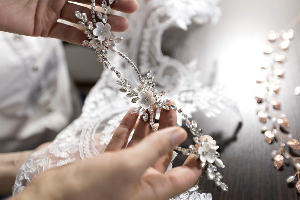 Украшения для свадебных и вечерних причесок