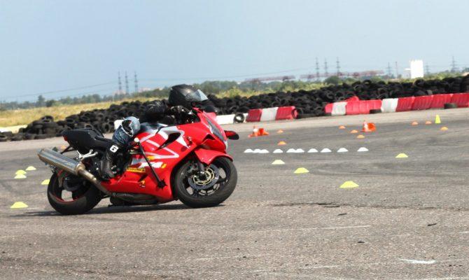Где профессионально научиться водить мотоцикл