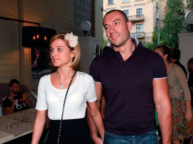 Пары Ксения Бородина и Михаил Терехин больше не существует?