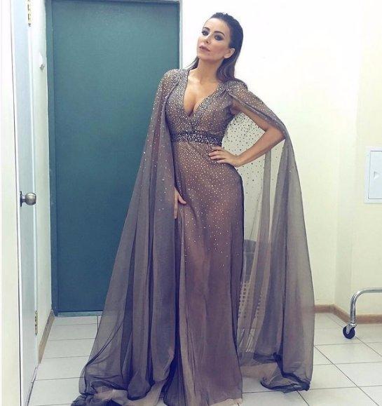 Неповторимая Ани Лорак предстала в роскошном наряде