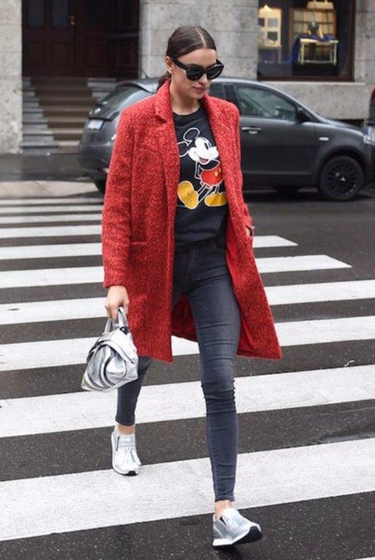 Ирина Шейк в модном образе посетила Милан