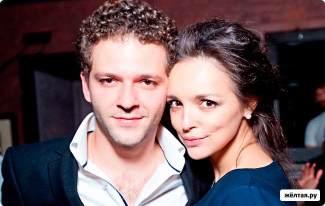 Константин Крюков разводится или женится?
