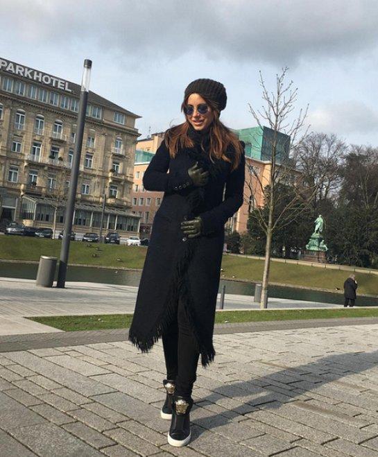 Ани Лорак надела необычное пальто