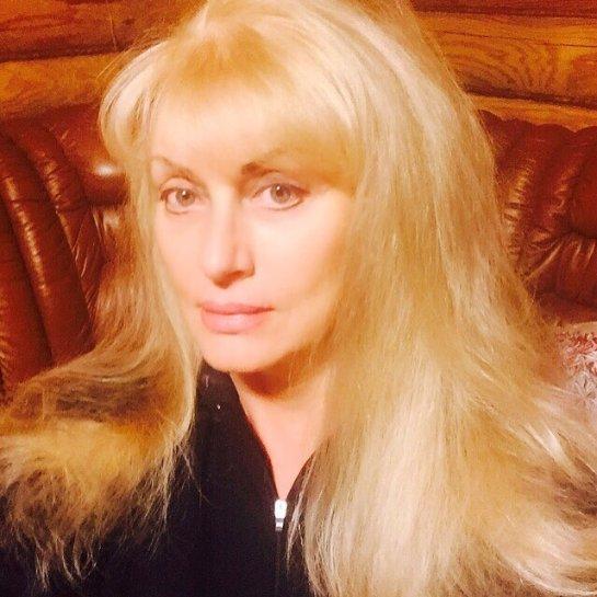Оля Полякова опубликовала фотографию мамы