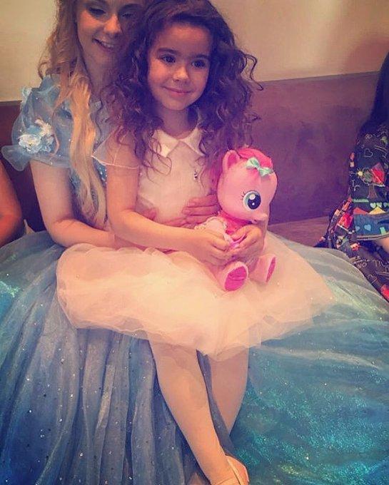 Ани Лорак шумно отпраздновала 5-летие дочери