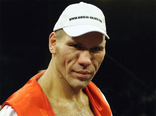 Николай Валуев решил заняться покером