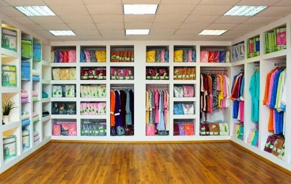 Как выбирать одежду в шоурумах