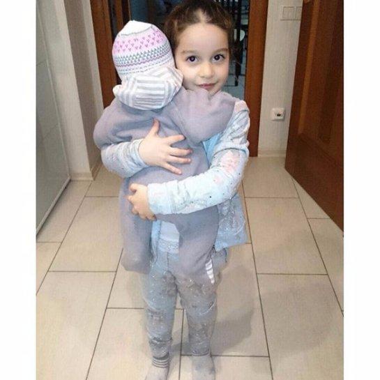 Ксения Бородина показала трогательное фото своих дочурок