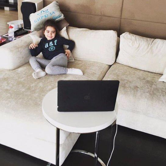 В сети появилось новое фото дочери Ани Лорак