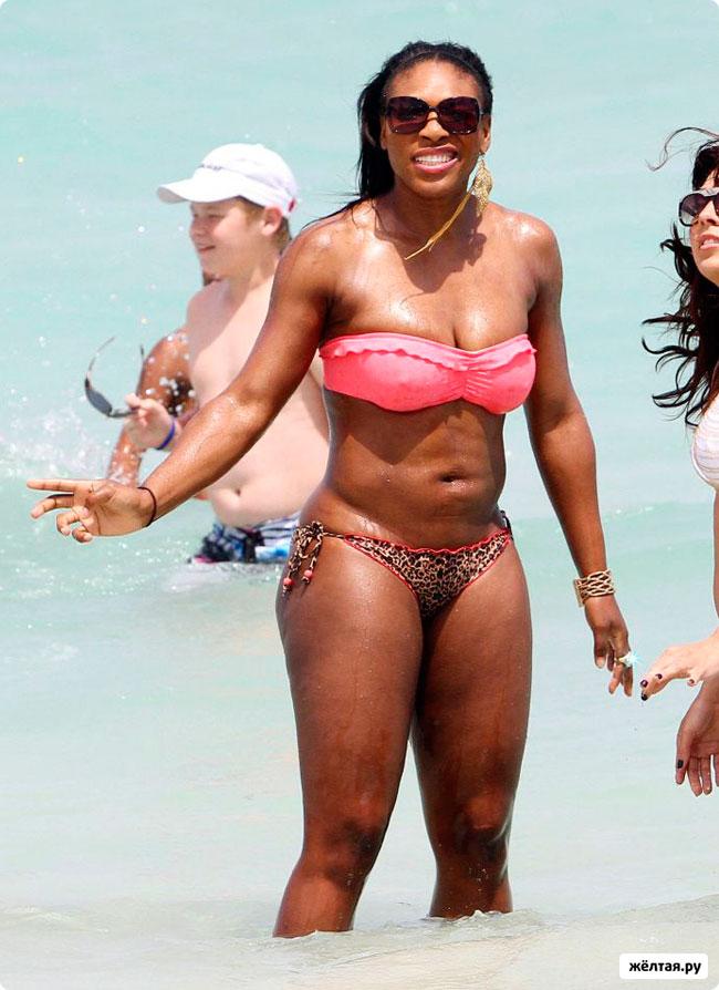 Серена Уильямс на пляже (6 фотографий)