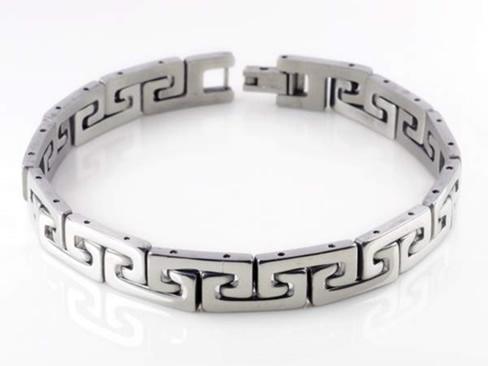 Чем родированные серебряные украшения лучше обычных?